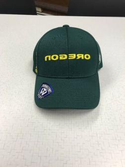 Green Oregon Ducks baseball cap Top Of The World adjustable