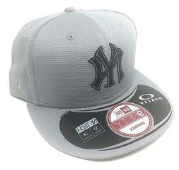 Oakley Men's New York Yankees New Era 9FIFTY MLB Baseball Sn